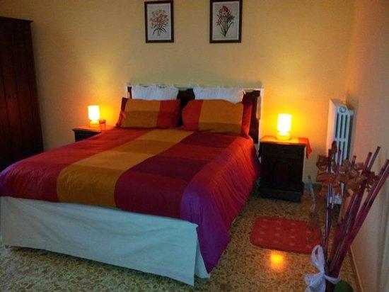 3B Beauty Bed and Breakfast: Camera Sole Arancio
