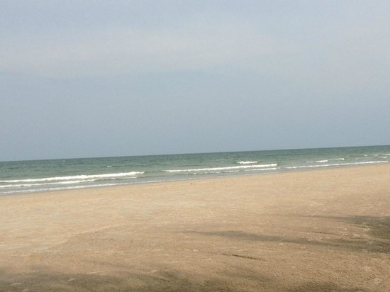 Let's Sea Hua Hin Al Fresco Resort: The beach was okay