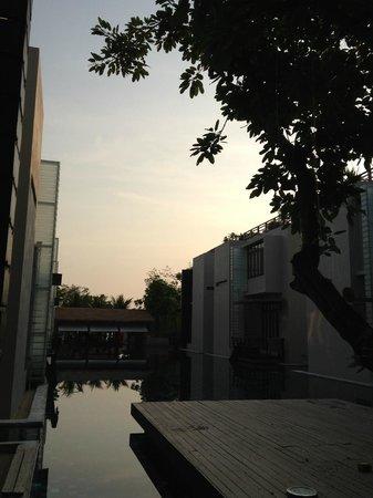 Let's Sea Hua Hin Al Fresco Resort: Pool at sunset