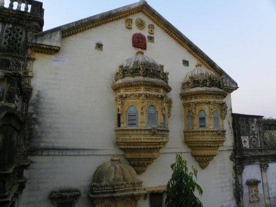 Devpur Homestay Kutch: jharokha
