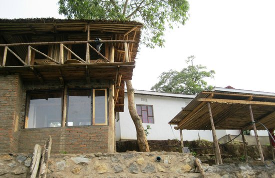 Arusha Hostel Lodge & Adventures: Hostel exterior