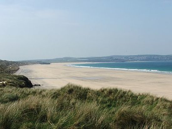 Sandbank Holidays: Gwithian beach less than a mile away.