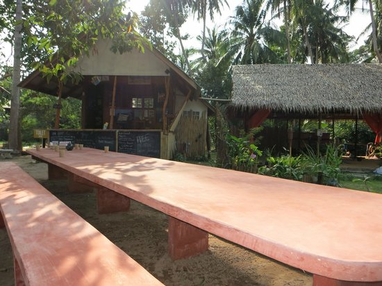 Grounded Koh Tao's Wellbeing Centre: the yoga center
