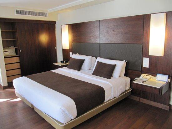 Hotel Reina Isabel: Номер люкс