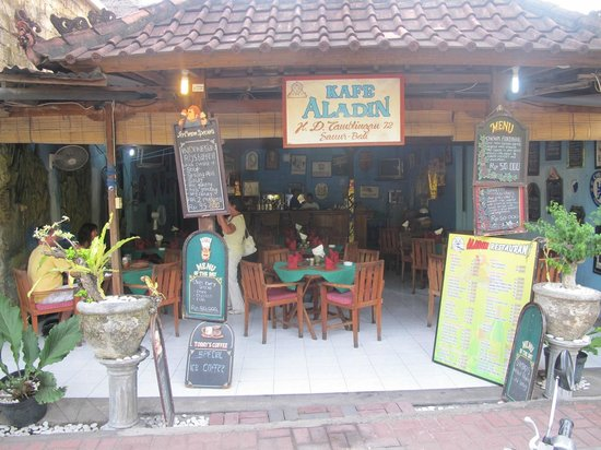 Aladdin Cafe : Aladdin, small but worthy of repeat visits