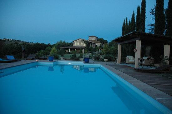 Il Grande Prato: pool at sunset