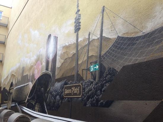 Tryp Munchen City Center: Graffiti
