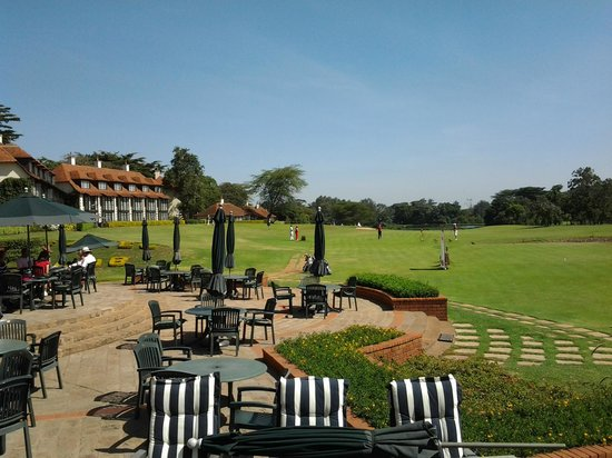 Windsor Golf Hotel and Country Club: Hotel and golf course from terrace