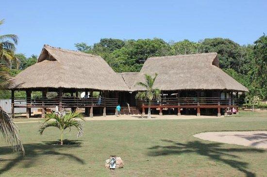 Lou Moon Lodge: Dining area