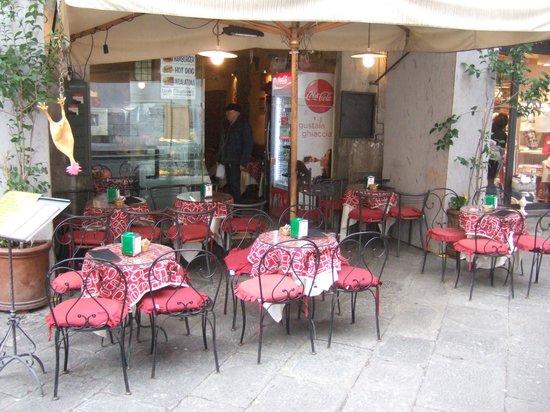 Caffe del Mercato : Outside Seating