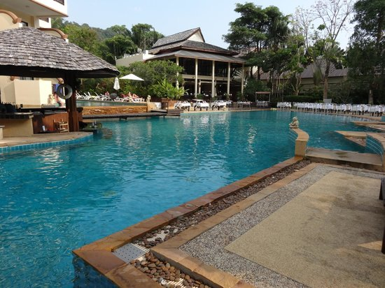 Krabi La Playa Resort: One of three pools