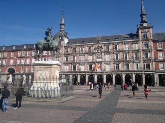 Catalonia Gran Via: Plaza Mayor in lentezon