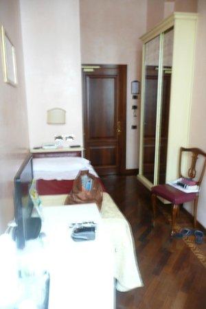 Pensione Accademia - Villa Maravege : General view Room 23 single