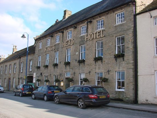 Kings Head Hotel Masham: View from the square