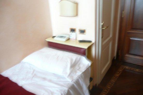 Pensione Accademia - Villa Maravege : Room 23 single - narrow bed!