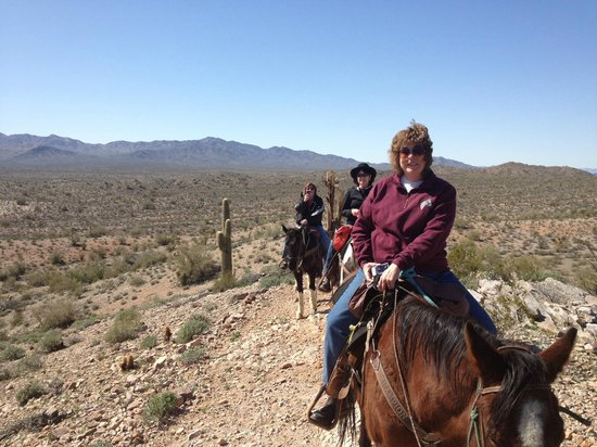 Stagecoach Trails Guest Ranch : On the trail!