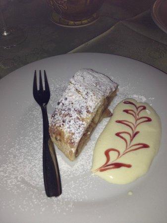 Hotel Tirol: strudel di mele