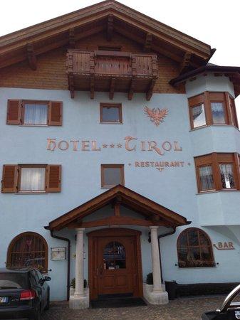 Hotel Tirol: Esterno hotel