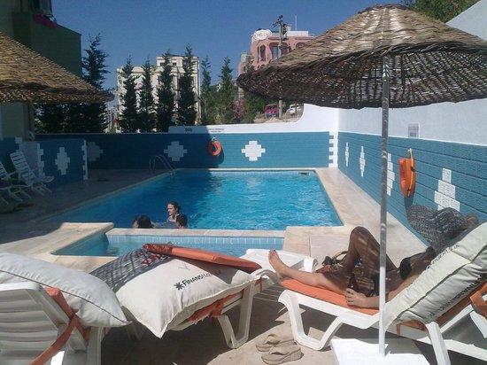 Cicek Apart Hotel