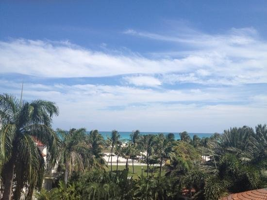 Dream South Beach: View from High Bar towards the Atlantic and beyond.