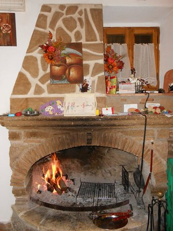 La Taverna dei Briganti: camino