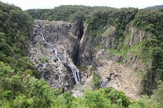 Barron Falls: 滝全景