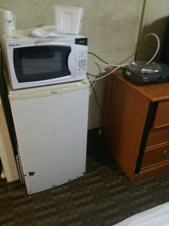 Global Inn: Faulty cords and barely working appliances