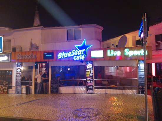 Montechoro Strip: Blue Star cafe..the lads who run this are real fun guys who create an excellent atmosphere