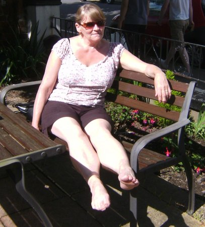 Craig-Ard Hotel: enjoying the sun in the garden of hotel