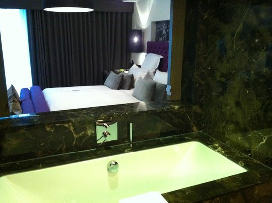 Blythswood Square: View from bathroom to bedroom