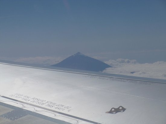 Flying over Tenerife on way home, Teide higher than the clouds