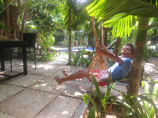 Petit Villa Boutique & Spa: Enjoying the hammock