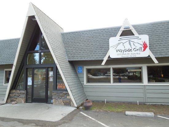 Wayside Grill: Wayside! Best bar/restaurant in town.