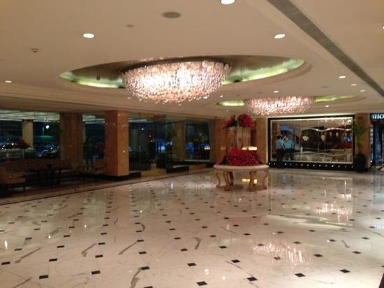 Shangri-La's Eros Hotel: the lobby