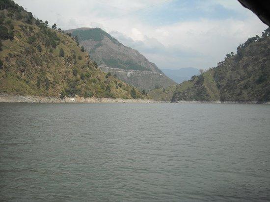 Grand View Hotel: Chamera Lake - Tourist Attraction