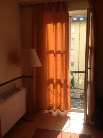 Corvin Hotel Budapest: camera singola