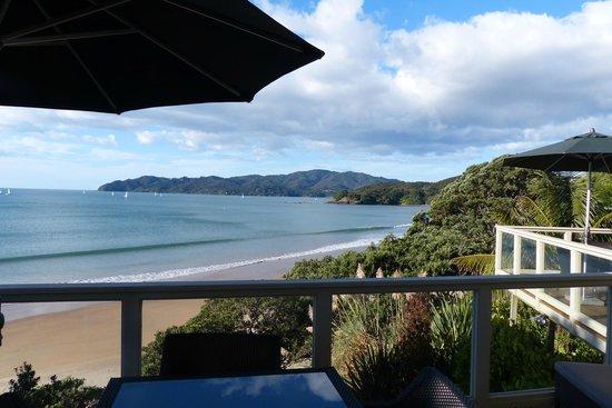 Beach Lodge: Blick von Terrasse auf den Strand
