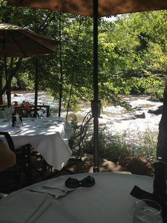 L'Auberge de Sedona: creekside dining
