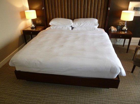 Hilton Kuching: Spacious King bed
