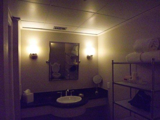 Hotel Galvez & Spa A Wyndham Grand Hotel: bath