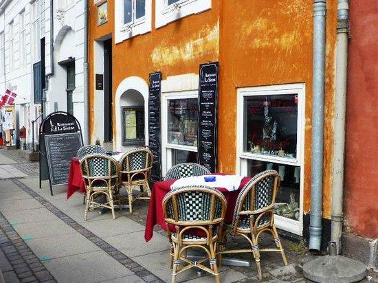 La Sirene Italian Restaurant In Nyhavn Copenhagen