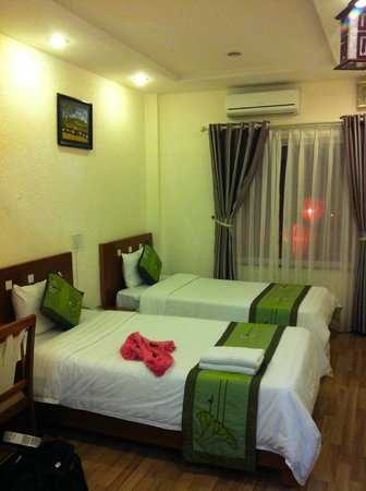 Green Diamond Hotel: Our room