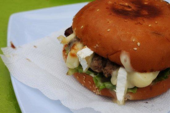 Saona Cafe: le «fameux» hamburger