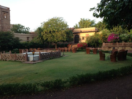 Fort Chanwa: lovely garden