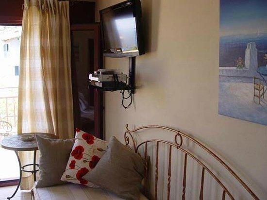 Greka Ionian Suites: Suite's Living Room
