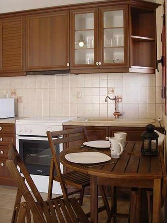 Greka Ionian Suites: Suite's Kitchen area
