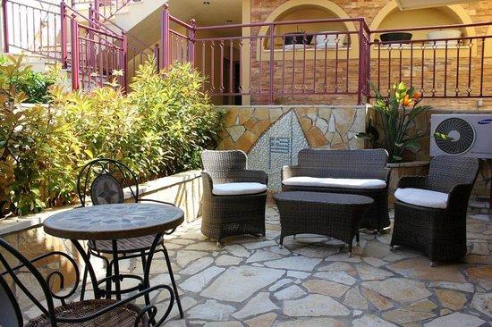 "Greka Ionian Suites: ""Zakynthos"" Garden View Suite"