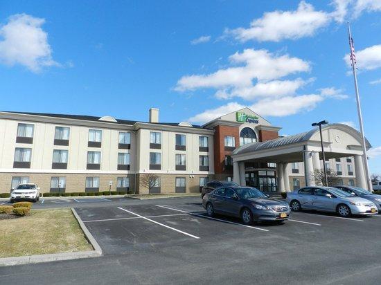 Holiday Inn Express East Greenbush (Albany - Skyline): Aussenansicht 04/13