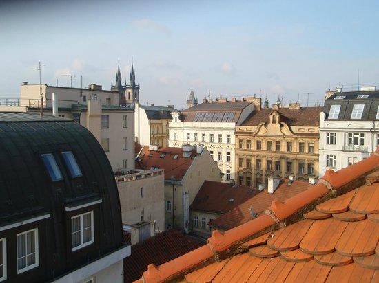 Maximilian Hotel: vårt rum låg högst uppe, lugnt och fint