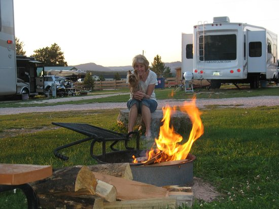 Broken Arrow  Campground: Nothing like a campfire